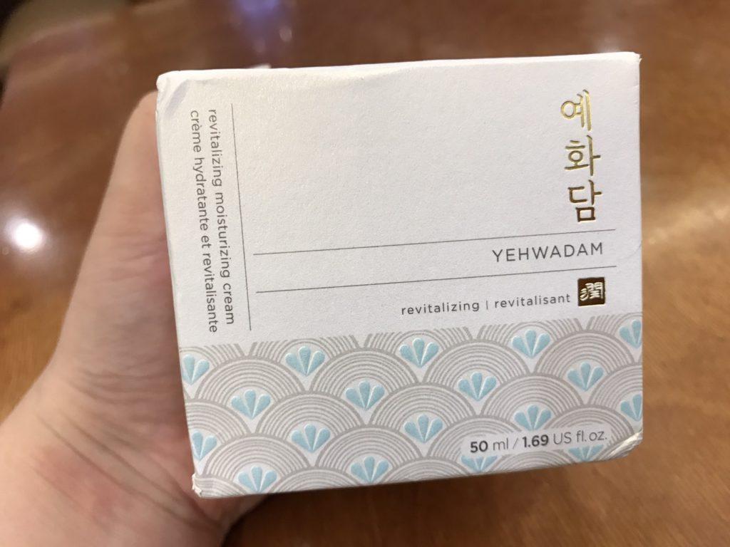 skincare-cream-THE FACE SHOP/菲詩小舖-蘂花譚清新恆水凝霜 湛藍的水藍色霜體,擦起來微涼,潤澤肌膚效果佳!Yehwadam revitalizing moisturizing cream 保養品分享 健康養身 攝影 民生資訊分享
