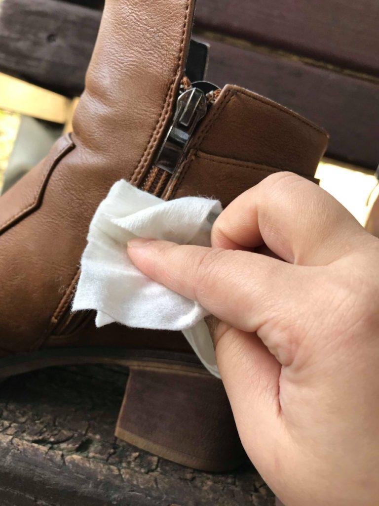 NewClean新可靈-奈米長效保潔劑/防水噴霧-織物、皮革日常保養、阻菌抗汙的居家生活好物~簡單保護心愛皮件,下雨天穿皮鞋也不怕淋雨了! 攝影 民生資訊分享