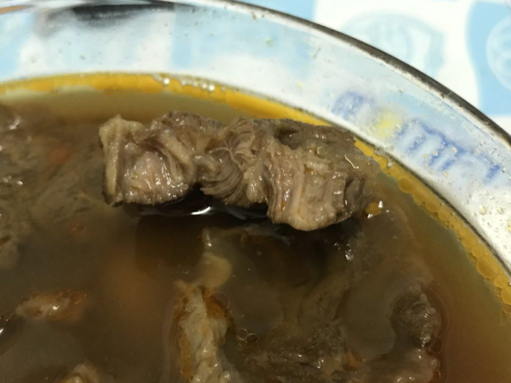 筷牛-川味牛肉湯包-繁複工序的獨家美味,簡單烹調就能上桌~大愛牛肉麵中厚實的拉麵&濃郁的川味湯頭! 中式料理 民生資訊分享 自己動手做! 飲食集錦