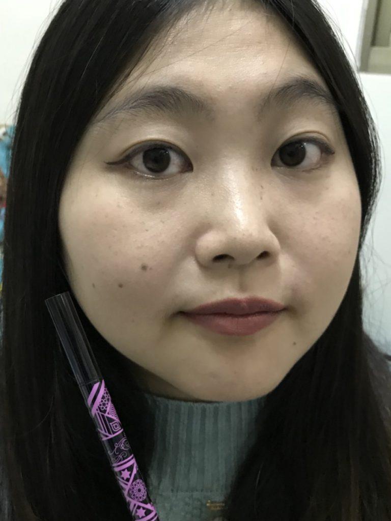 BÉBÉ POSHÉ奢華寶貝-激黑綻放世紀之創持久眼線液筆 描繪出更有魅力的自我! 彩妝品分享 攝影 民生資訊分享
