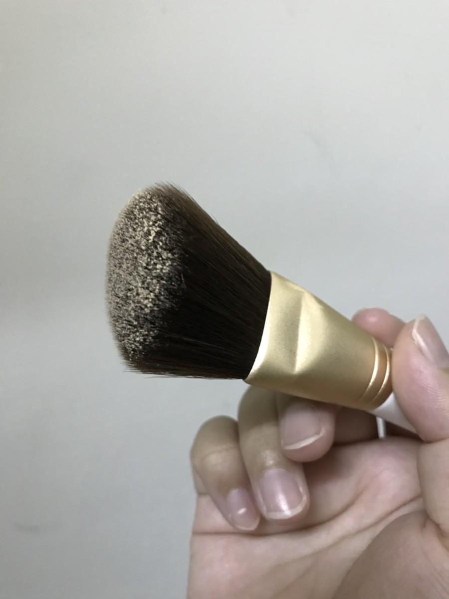 愛用刷具/康是美刷具/Ms. COSMED 斜角微整刷104 尼龍刷毛柔軟好刷,上臉均勻度好,刷毛不易結黏~ 彩妝品分享 攝影 民生資訊分享