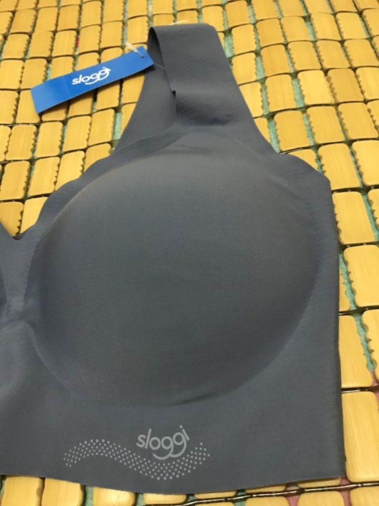 無痕內衣推薦 sloggi ZERO Feel bralette 零感系列V領內衣-EL(葡萄紫) 低V領+大挖背,輕薄無痕、舒適又好穿搭!可機洗~ 健康養身 民生資訊分享 穿搭分享