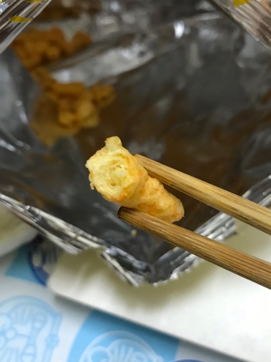 燒番麥辣味起士-吃起來還算好吃,但裕榮食品家的燒番麥起司餅乾對我來說比較清淡!? 攝影 民生資訊分享 飲食集錦