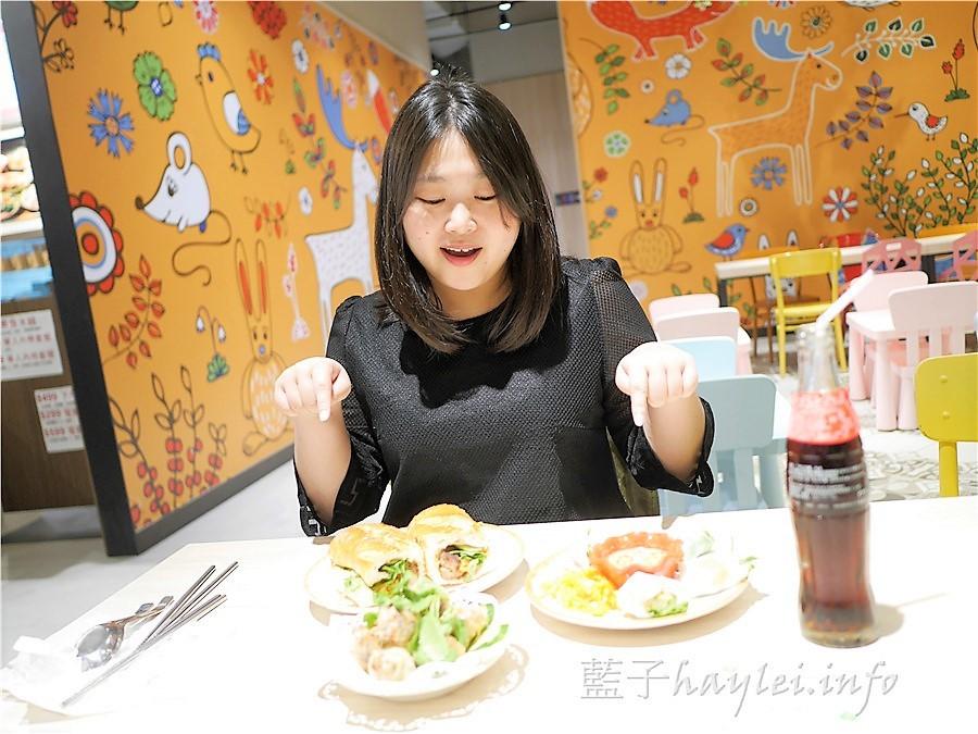 Phowong 旺旺美越河粉越式下午茶,一次享有生春捲、炸春捲跟越南麵包三種美味,越式料理那生、鮮、淡、酸的風味,讓我感受到迷人的異國風情~ 攝影 民生資訊分享 飲食集錦