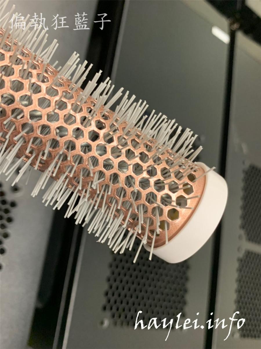 魔法豆品味生活mocodo玫瑰金髮梳-舒壓氣墊按摩梳、陶瓷熱塑捲梳、3D彈性順髮梳,一次備齊沙龍級工具梳,秀髮維護更加舒心~居家沙龍美髮/美髮齒梳/耐高溫梳針/抗靜電/抗毛躁/抗糾結/頭皮按摩/快速乾髮/輕鬆順髮/沙龍級梳具推薦/捲髮技巧分享 健康養身 攝影 民生資訊分享 美髮相關 自己動手做!