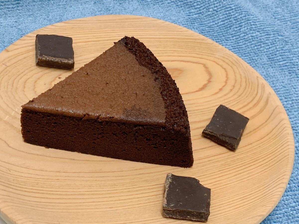 天子舒芙蕾SkySon Souffle 瑞士蓮巧克力舒芙蕾,純香濃郁的巧克力蛋糕,好吃到一次吃光6.5吋,令人讚嘆的經典美味!宅配美食/團購美食/宅配甜點/法式蛋糕/鬆軟蛋糕/香甜美味/SkySon天子舒芙蕾/乾坤農場 宅配食記 攝影 民生資訊分享 飲食集錦
