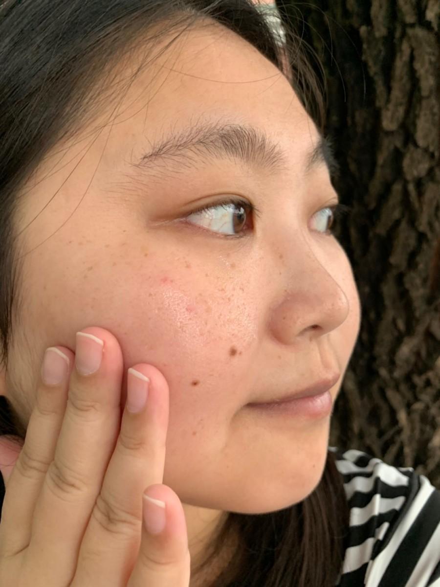 肌膚保養/雅詩蘭黛頂級白月光精華-白金級晶鑽淨白精粹,運用超進化鑽白超導科技幫肌膚驅黑透白,想讓素顏更加分?就靠櫃Estee Lauder吧! 保養品分享 彩妝品 彩妝品分享 攝影 民生資訊分享