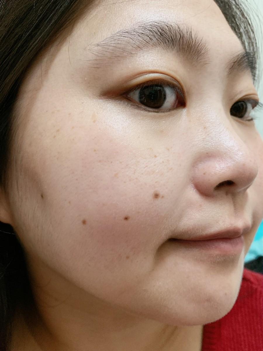 專櫃保養推薦-SK-II R.N.A.超肌能緊緻活膚霜 (輕盈版)-質地柔軟好吸收,適合乾性、混合性肌膚全臉使用的夏天乳霜!skincare/肌膚保養/夏天乳霜/輕熟齡肌適用/保養要趁早/健康肌膚/美肌計畫/日本頂級保養/日系保養推薦 保養品分享 攝影 民生資訊分享