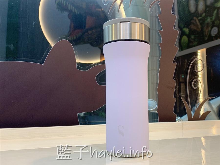 2020保溫杯推薦/Swanz天鵝瓷好提杯-紫羅蘭粉紫色絕美超好看,入口細膩純淨,大瓶口的陶瓷內膽好清洗且不殘留異味,保溫保冷持續保溫5-8小時,提手設計方便攜帶,時尚又實用的隨身好物!Swanz陶瓷保溫瓶/陶瓷火炬杯/430ml/健康生活/居家好物/保溫杯/保溫瓶/陶瓷保溫杯/高顏質/陶瓷保溫瓶推薦/藍子愛美麗 健康養身 攝影 民生資訊分享