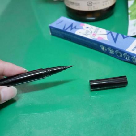 Solone電流激細眼線液 使用心得分享~ 高顯色又溫水可卸,必回購的眼妝產品!